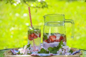 strawberry-drink-1412232_1920